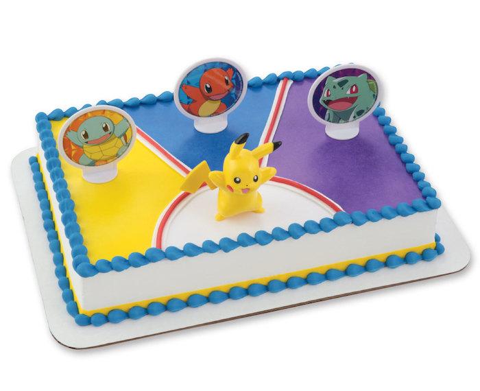 gateau pokemon, génoise au vanille, crème blanche, décoration en perles sucrées, figurine pikachu