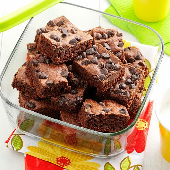 brownies, dessert au chocolat idee pique nique, idée que manger en plein air, repas facile à préparer et rapide