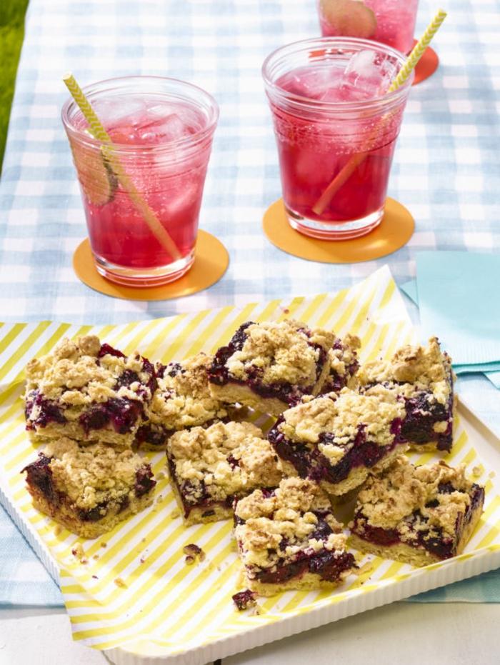 boissons rafraichissante pour pique nique pendant l été, idee pour pique nique, thé rouge, eau gazeuse, jus de citron vert miel, recette facile et rapide à consommer avec un dessert