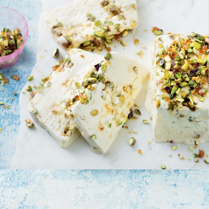 préparer une recette délicieuse et facile de nougat glacé traditionnel à la pistache