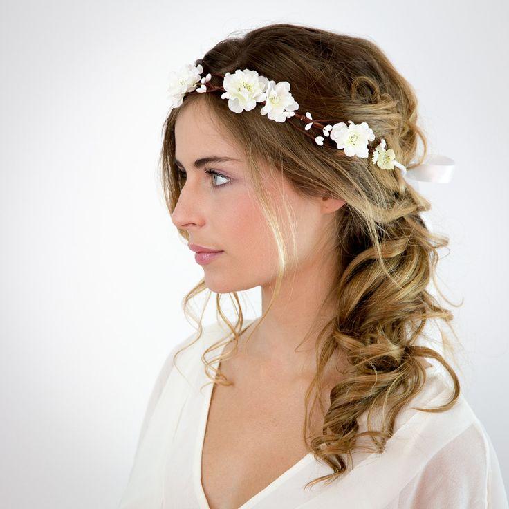 id e tendance coupe coiffure femme 2017 2018 mariage couronne de fleurs blanches elsa. Black Bedroom Furniture Sets. Home Design Ideas