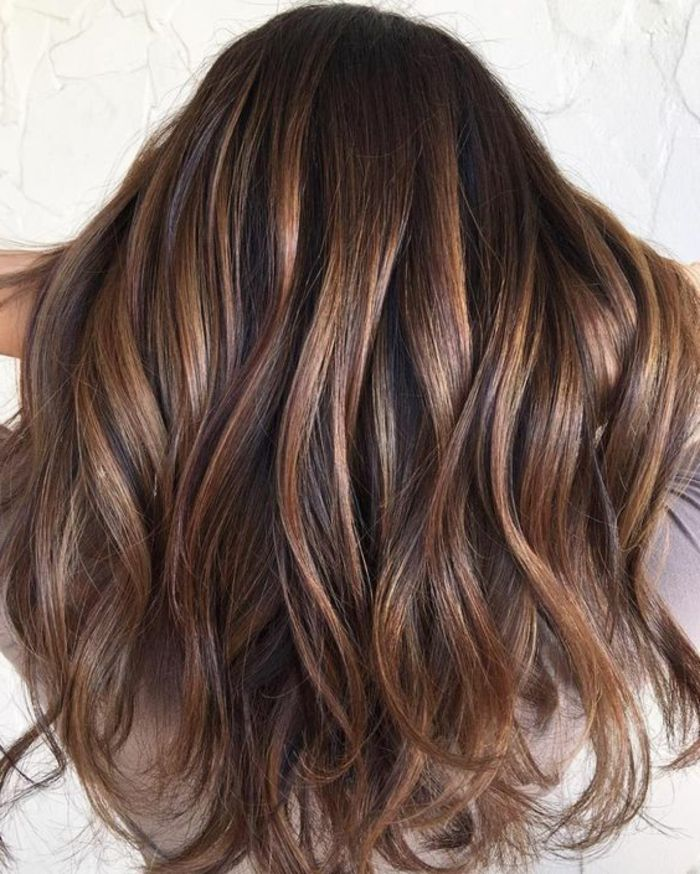 Id e tendance coupe coiffure femme 2017 2018 chatain for Idee coupe couleur cheveux long