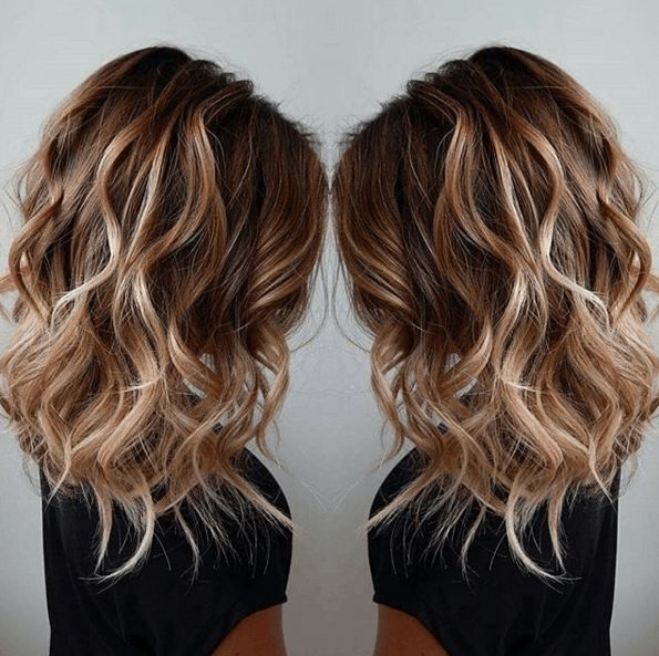 id e tendance coupe coiffure femme 2017 2018 un balayage fa on blond de surfeuse. Black Bedroom Furniture Sets. Home Design Ideas