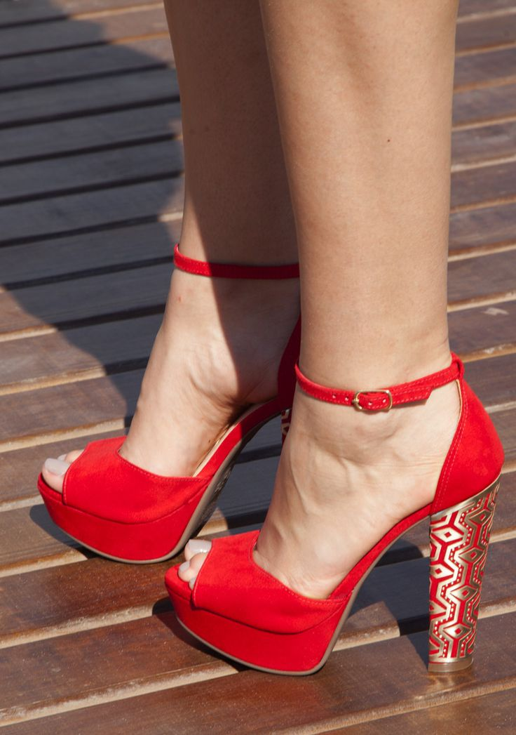 0f760f5d38 Tendance chausseurs   sandálias salto alto - salto grosso - red ...